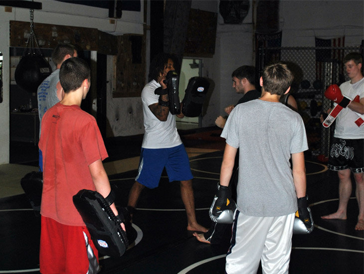 --aaron-instructing-muay-thai-web
